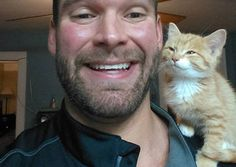 Stray Kitten Wanders Into A (Handsome to be honest) Man's Life - Love Meow