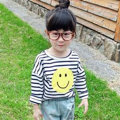 Buy CUBS Kids Smiley Face Print Striped Long Sleeve T-Shirt at YesStyle.com! Quality products at remarkable prices. FREE WORLDWIDE SHIPPING on orders over € 34.