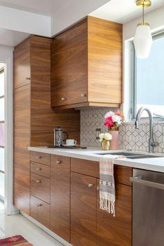 Modern Kitchen Interior A Vintage Splendor's Kitchen Reveal Contemporary Kitchen Tables, Modern Kitchen Design, Interior Design Kitchen, Modern Design, Kitchen Cupboard Designs, Wood Kitchen Cabinets, Diy Kitchen, Kitchen Ideas, Kitchen Lamps