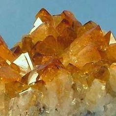 *DESPERTAR HOLÍSTICO*: A magia do quartzo de Citrino....