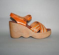 classic vintage 70s famolare platform sandals!