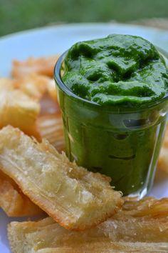 Ser Vegana: Pesto de salsinha com mandioca (petisco vegan)