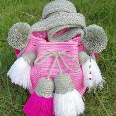 """ถูกใจ 5 คน, ความคิดเห็น 1 รายการ - neeranart (@niraniranart) บน Instagram: """"ขนาด5.5×6.5"""" ลูกค้าชอบพู่เยอะๆ #wayuu #wayuubags #wayuubag #crochet"""""""