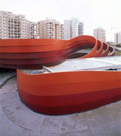 Ribbon-Wrapped Architecture: New Ron Arad Design Museum to Open Soon in Israel
