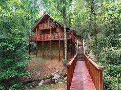 This Week on Tree House Castles If youre looking for privacy and seclusion, trickling waters and beautiful surroundings inside and out, Dreams Streams is the ultimate vacation spot for you