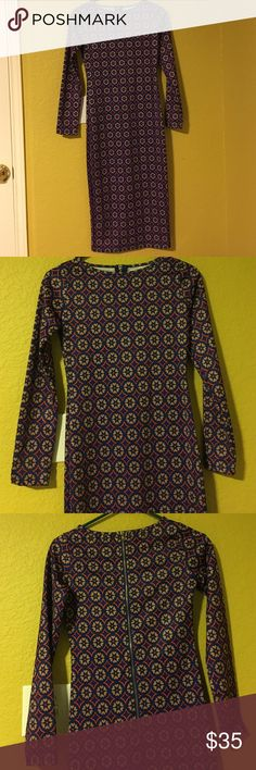 Patterned Midi Dress by Glamorous sz 8 Curve hugging midi dress by glamorous. Silky stretch material. Size 8 but will fit 6-8. Glamorous Dresses Midi