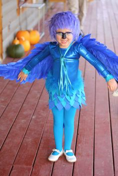I love the wings and head piece and the idea that a skirt works. Love the bright color and total body integration. Handmade Halloween Costumes, Purim Costumes, Dress Up Costumes, Cute Costumes, Family Costumes, Halloween Kids, Costume Ideas, Carnival Of The Animals, Blue Macaw
