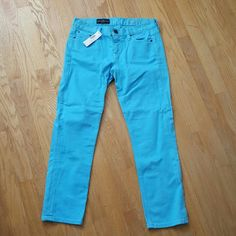 J Crew Cropped Matchstick Pants Brand New With Tag matchstick pants.   Skinny straight fit with a hint of stretch. Slim thru hip and thigh. Slim straight cropped leg 98% cotton, 2% elastane Color is more sky blue than regular blue. J. Crew Pants Skinny