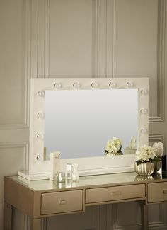 Our popular white gloss makeup mirror with lights around can be freestanding on your dressing table! Perfect for any home vanity beauty table or professional salon use! www.hollywoodmirrors.co.uk Our eco-energy Hollywood Mirrors are the perfect makeup and beauty mirror, vanity mirror or dressing table mirror! Our illuminated mirrors are stylish and brightly lit making the perfect home decor accessory to any of your interiors. #Interiors #InteriorDesign #Bedroom #Bathroom #HomeDecor
