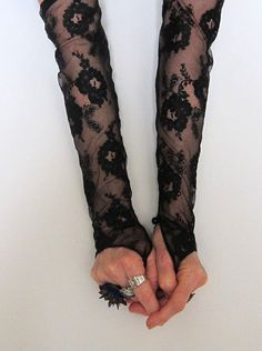 Retro black lace fingerless gloves♕