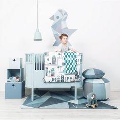 mooi babyledikantje jongen - lichtblauw babybedje. inspiratie voor de inrichting babykamer. #baby #bedje #kinderkamer #babykamer via www.babykamer-jongen.nl/inspiratie-inrichting-babykamer-jongen/