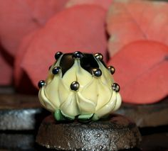 Handmade water lily bead.