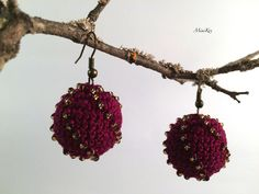Excited to share the latest addition to my #etsy shop: Crochet wine-colour sphere earrings with seed beads https://etsy.me/2x8WDka #jewelry #earrings #red #earwire #glass #no #girls #gold #sphereball