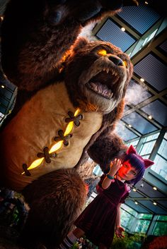Check out the LARGE Annie and Tibbers #LeagueofLegends Statue at #PAXPrime