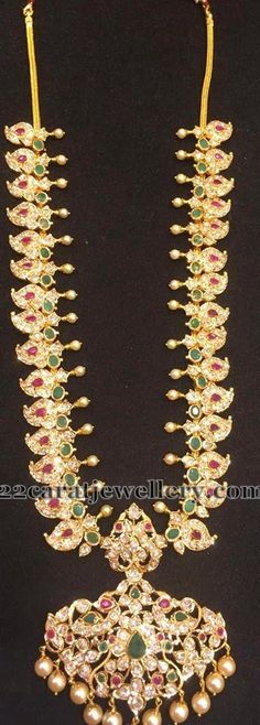 Jewellery Designs: Pachi Long Chain with Emeralds