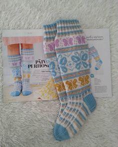 @siskomalinen - Sisko Malinen - #Sissukat #villasukat #omasuunnittelemat #omatekemät... Sissi, Christmas Stockings, Villa, Socks, Holiday Decor, Home Decor, Stockings, Decoration Home, Sock