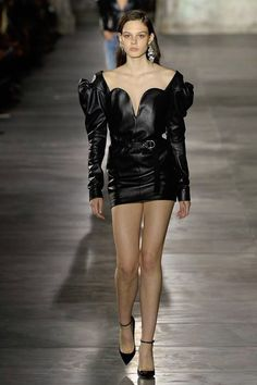 Saint Laurent Spring 2017 Ready-to-Wear Collection Photos - Vogue