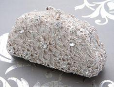 35 Stunning Bridal Clutches You'll Love | HappyWedd.com