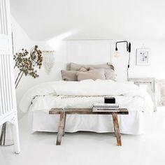"Polubienia: 299, komentarze: 6 – The Bamboo Shop (@thebambooshop.nl) na Instagramie: ""Bedroom inspo ✨ #witwonen #decoration"""