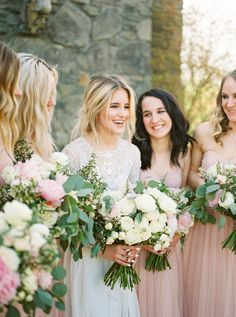 Classic blush and cream bouquets: http://www.stylemepretty.com/oregon-weddings/west-linn/2016/06/22/this-black-tie-wedding-is-filled-with-every-trend-youll-see-this-wedding-season/ | Photography: Linnea Paulina - http://linneapaulina.com/