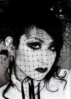 music, makeup, lips, gothic lolita, manasama, black, halloween, earrings, mana sama