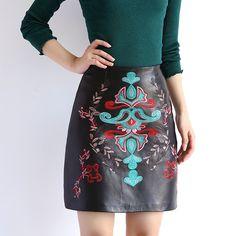 Осень 2017 г. Для женщин национальной вышивкой натуральная овечья кожа черная юбка дамы Китайский Стиль короткие Faldas большой Размеры Jupeкупить в магазине Baa&Moo StoreнаAliExpress
