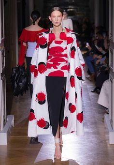 Valentino - Haute Couture Spring/Summer 2020 - Look 19