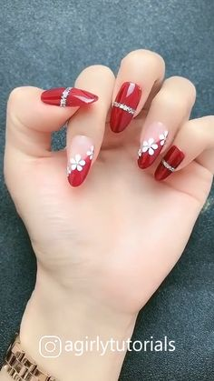 Visit to get around hairstyle tips nail art and a variety of needs for a healthy body Hairstyle Haircare Nailart naildesign diy Acrylic Nail Designs Glitter, Nail Designs Bling, Bling Acrylic Nails, Nails Design With Rhinestones, Nail Art Hacks, Gel Nail Art, Nail Art Diy, Nail Polish, Nail Nail