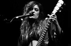 Julia Stone Angus & Julia Stone, Music Express, Female Guitarist, Wonderwall, Portrait Photography, Concert, Global Warming, Musicians, Mood