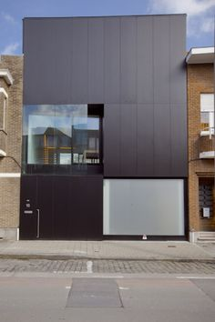 Pinterest speed... at least we have a space for QUALITY, even brief... Rowhouse S / Caan Architecten