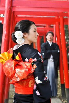 Asia | Portrait of a Japanesr bride and groom wearing traditional wedding clothes, Japan #wedding