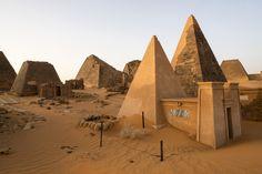 Las 10 pirámides más alucinantes del mundo - https://vivirenelmundo.com/10-piramides-alucinantes/