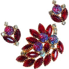 Iridescent Red Glass  Rhinestone Vintage Estate Pin Brooch Set This fabulous vintage brooch and earring set is done in a gold colored metal. It is