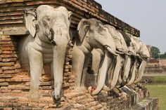 Elephant statues, Sukhothai, Thailand, photo by: moritz.schmaltz, used under Creative Commons License(By SA 2.0)