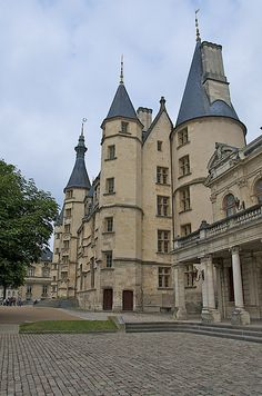 Nevers - 22 | Flickr - Photo Sharing!