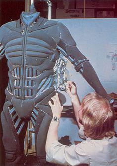 Stillsuits - Dune - Behind The Scenes My Fantasy World, Sci Fi Fantasy, Movie Props, Movie Costumes, Dune Film, Dune Frank Herbert, Dune Art, Sci Fi Novels, Space Fashion