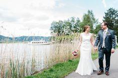 Brautpaarshooting am wunderschönen Ägerisee. Lace Wedding, Wedding Dresses, Photography, Fashion, Wedding Dress Lace, Gown Wedding, Nice Asses, Bride Dresses, Fotografie
