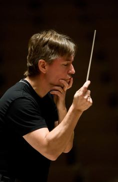 Esa-Pekka Salonen, conductor (photo by Clive Barda) Music Flow, Music Like, Sound Of Music, Estas Tonne, Herbert Von Karajan, Body Study, Conductors, Interesting Faces, Ballet