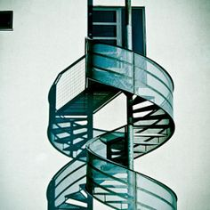 12 Staircase Designs That Practically Make Us Dizzy With One Look (PHOTOS)