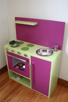play kitchen--simple