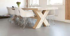 Rust en harmonie in huis creëer je door de vloer vloeiend van het ene vertrek naar het andere te laten doorlopen.