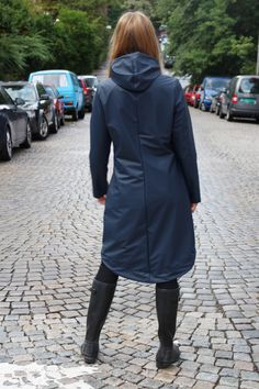 LET IT RAIN (SY DET SELV regnjakke) Pvc Raincoat, Rain Wear, Comfortable Outfits, Refashion, Rain Boots, Women Wear, Cozy, Let It Be, Female
