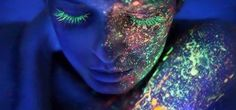 Glow in the Dark Makeup: Fluo Night by Make Up For Ever Black Light Makeup, Dark Makeup, Glow Makeup, Makeup Brush, Sacred Spirit, Maquillage Phosphorescent, Tinta Neon, Art Tumblr, Blacklight Party
