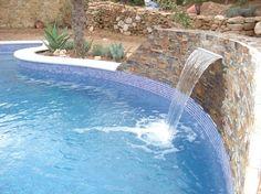 Cascada piscina accesorios pinterest hot tubs for Accesorios para piscinas cascadas