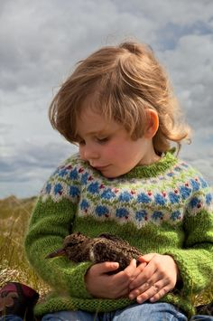 Discover the Nature in Iceland - Our little Princess :-) Knitting For Kids, Baby Knitting Patterns, Knitting Projects, Icelandic Sweaters, Fair Isle Knitting, Baby Sweaters, Beautiful Children, Kind Mode, Little Princess