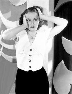 Barbara Stanwyck, 1933