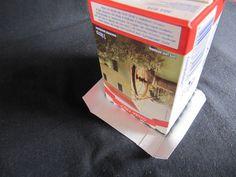 Reciclar... Customizar..   Meninas, como prometi, fiz o PAP de como montei a caixinha azul, reciclando uma caixa de leite.    Primeiro temos...
