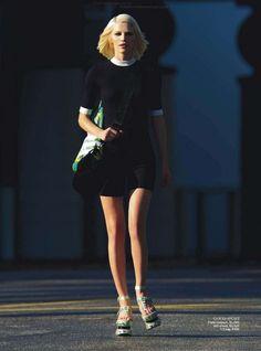 Aline_Feurer_Vogue_Australia_March_2013_11