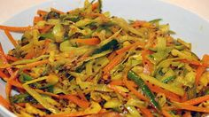 Pickled vegetables (achard) | Here are two different recipes for crunchy pickled vegetables – one using shallots and one using mixed vegetables. These spicy Mauritian side dishes are traditionally served with rice and curry.