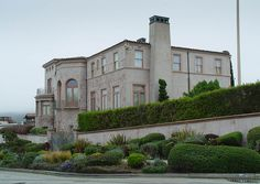 Robin Williams house. Sea Cliff San Francisco, CA (side view; home is on a corner)